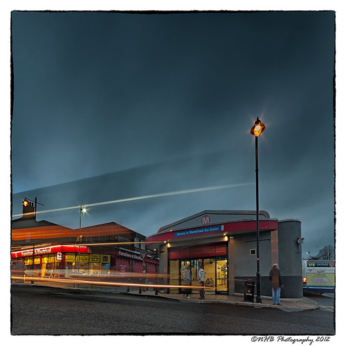 uk england bus buses station evening lowlight dusk streetlights yorkshire transport pontefract efs1022mmf3545usm lighttrials canon40d ringexcellence dblringexcellence tplringexcellence nhbphotography eltringexcellence