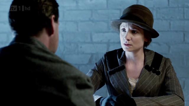 DowntonAbbeyS02E09_Anna_graystripedcoatblkbuttonslapel