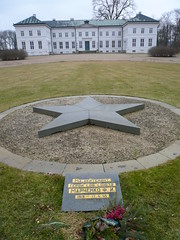 Russian war cemetery in front of the Neuhardenberg castle