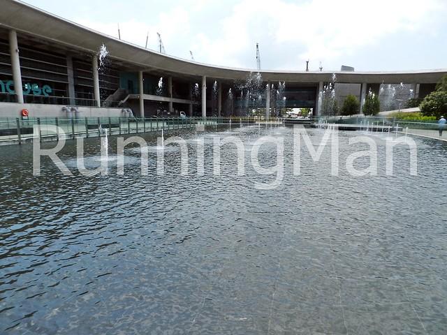 Marina Barrage 01