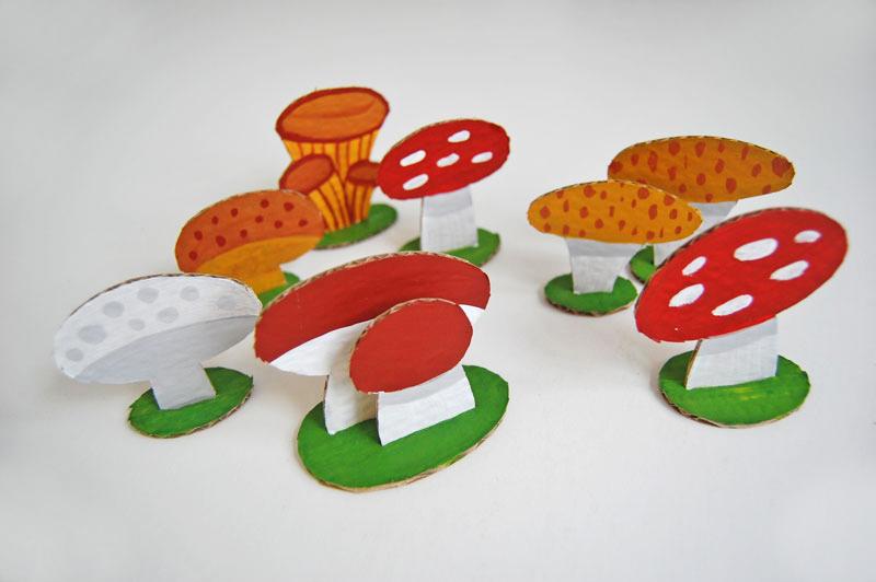 Basket with mushrooms_005