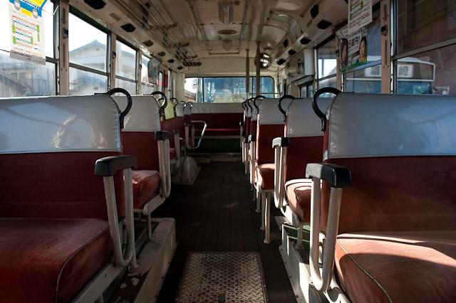 伊予鉄南予バス 日野 K-RL321 客室車内