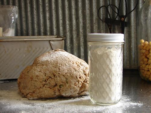 DIY flour shaker