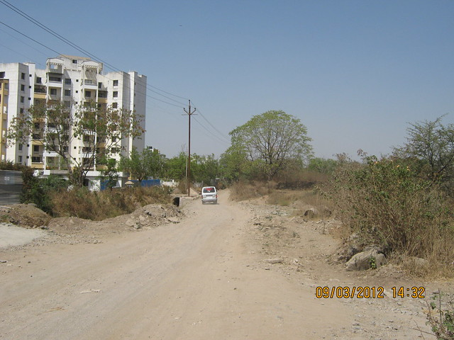 Road to  Amit's Gaia Pride Platinum near Pancard Club Baner Pune - 3