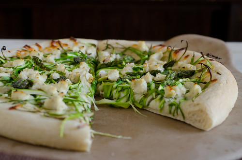 Shaved Asparagus Pizza 9