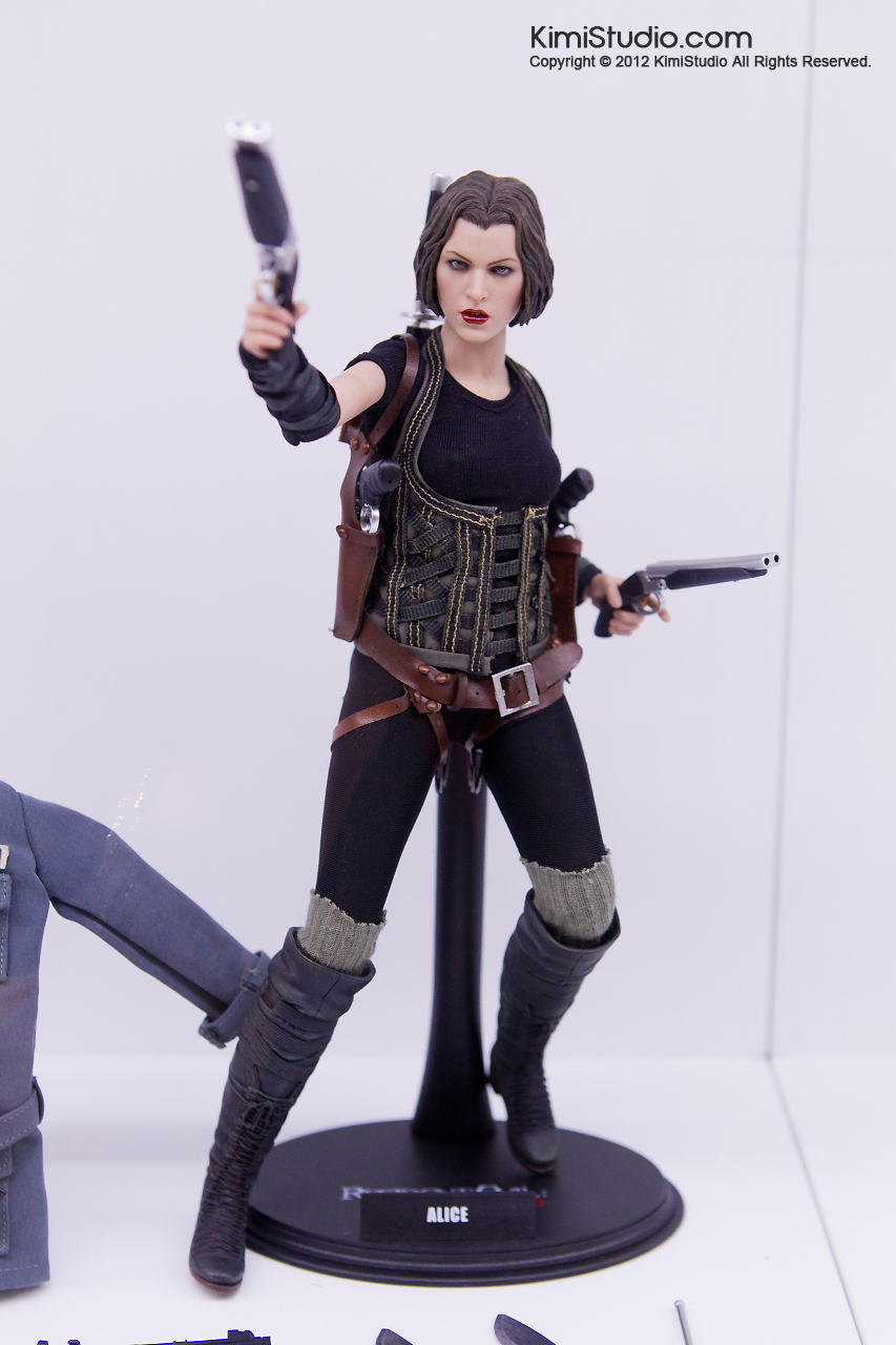2011.11.12 HOT TOYS-113