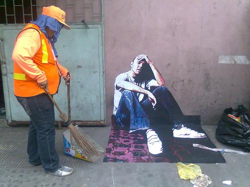 3d street art - The Hotstepper  Karl Pilkington 3d Street art