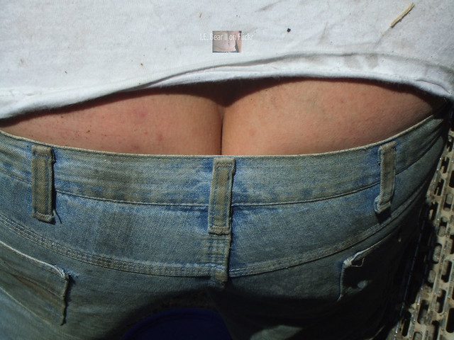 Trucker Mike's crack up close