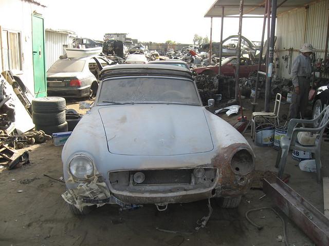 Mercedes scrap yard pretoria for Mercedes benz junk yards