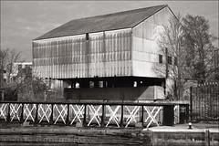 Abandoned Warehouse / Thames Lock