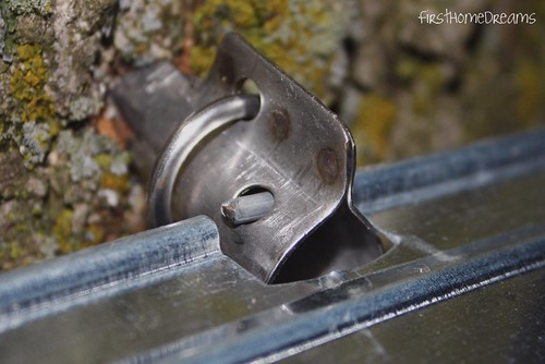 maple syrup bucket lid metal tap spile