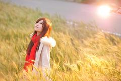 [フリー画像素材] 人物, 女性 - アジア, 人物 - 田園・農場, コート, 台湾人, 人物 - 見上げる ID:201203210800
