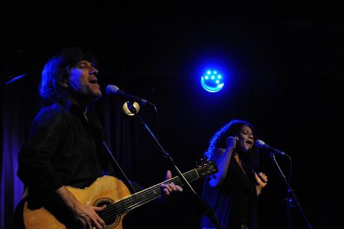 Dawn Tyler Watson & Paul Deslauriers @Hall du Forum By McYavell - 120316 (11)