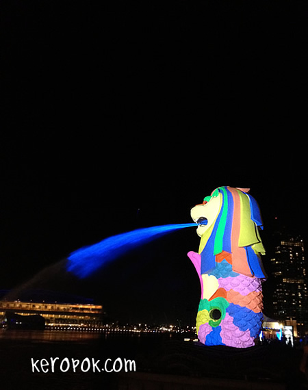 iLight Marina Bay 2012 - Light of the Merlion - iPhone Photo