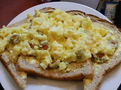 Nuked green olive & mild white cheddar omelette