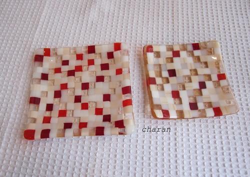 大小並べると…モザイクのお皿 by Poran111