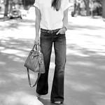 original classic jeans outfit - wide leg jeans t shirt-camel -leopard belt
