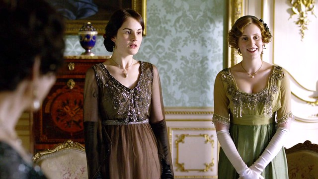 DowntonAbbeyS01E06_MaryEdith_BrownLightOlive