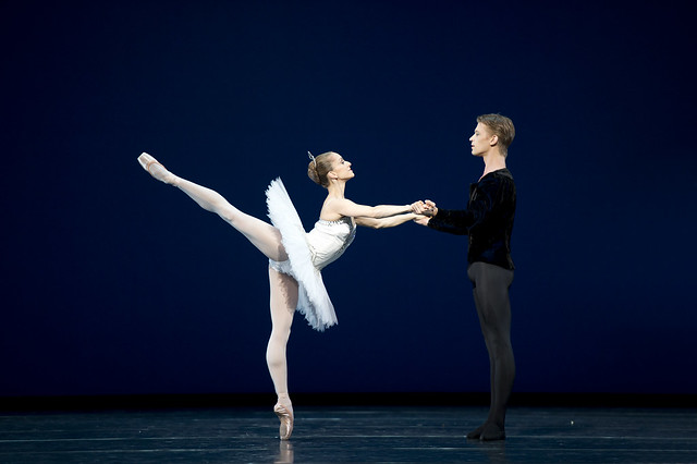 Rupert Pennefather and Marianela Nunez in Symphony in C © Bill Cooper/ROH 2010