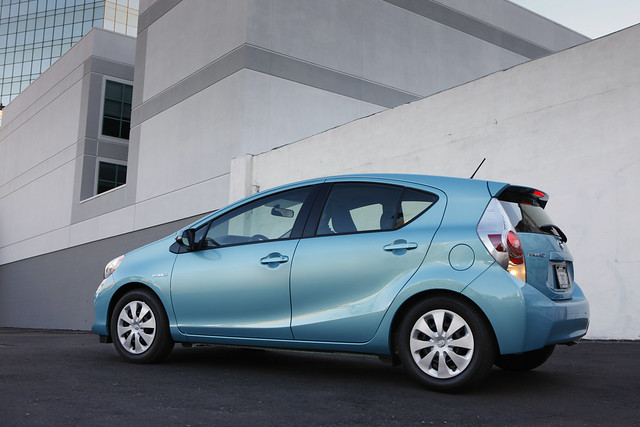 2012_Prius_c_Two_09