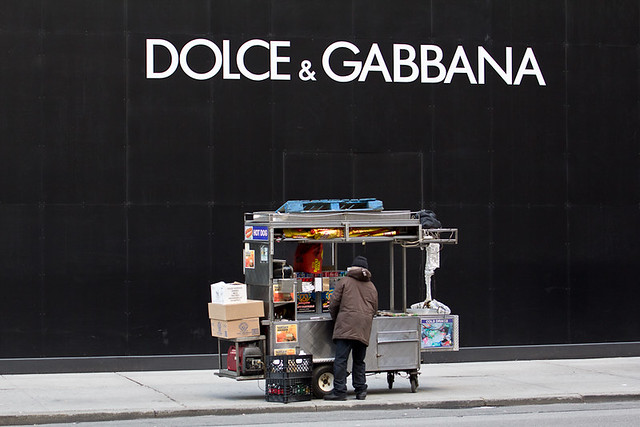 Dolce & Gabbana : the famous hot-dogs, par Franck Vervial