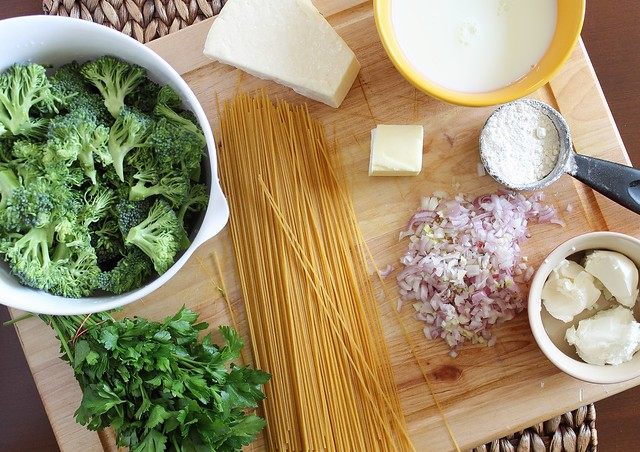 Healthy spaghetti alfredo