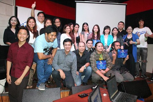 SING TO WIN finalists and winners flanked  by 'Hangal na Luha' stars Jun Sabayton, Caloy Olavides and executives  from Intel,Acer,Asus,Lenovo,Neo and Samsung