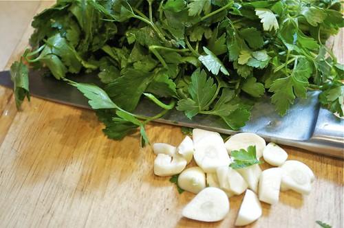 broccoli pesto/parsley/garlic/chop