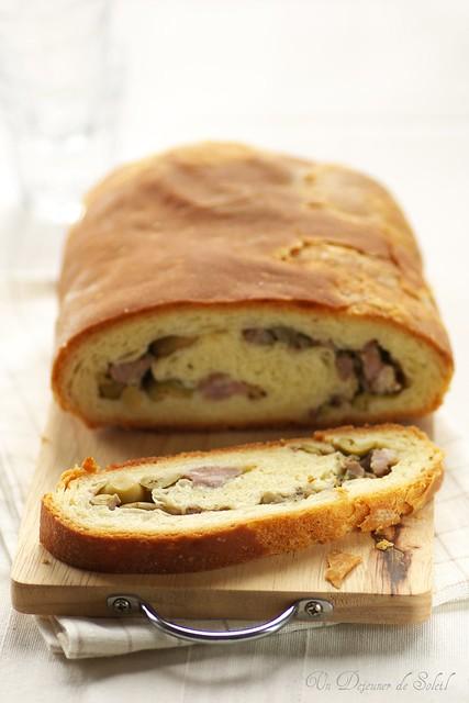 La 'mbriulata - Sicilian sausage bread