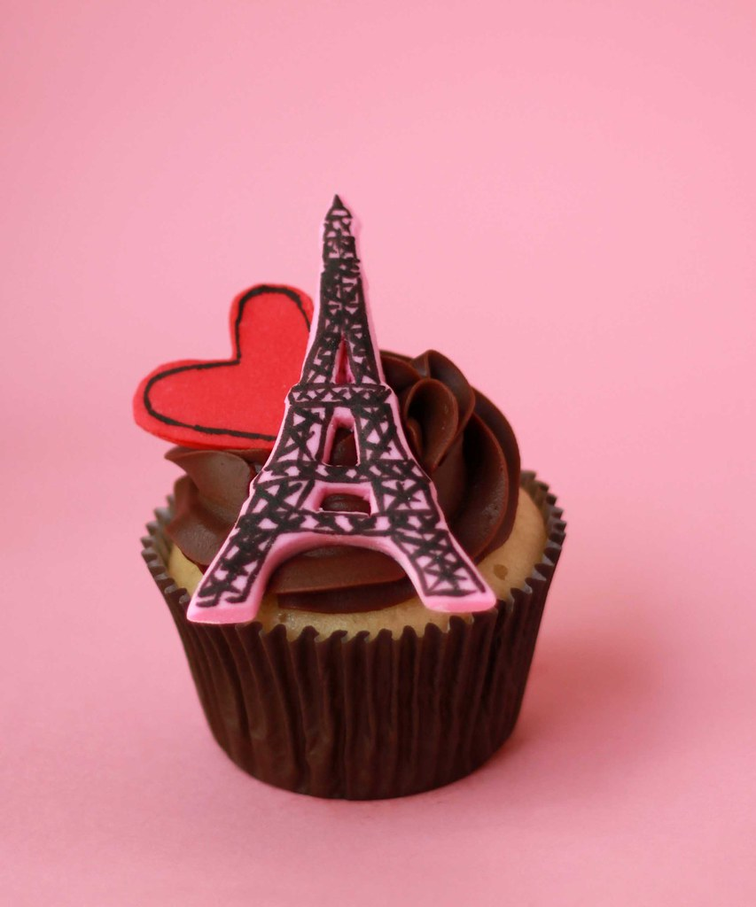 Cupcakes take the cake 5 paris lovers eiffel tower cupcakes plus