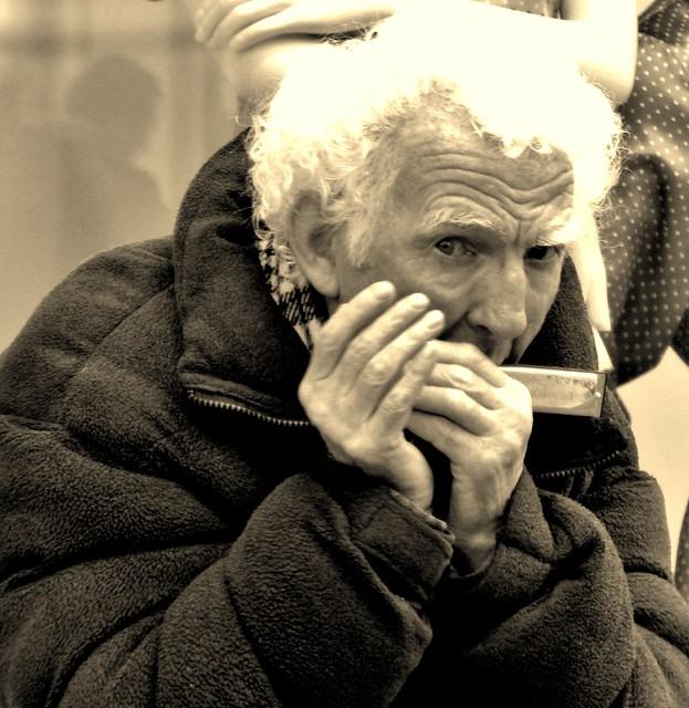 This street musician ... (Explored - many thanks !!) por Sandalwood19