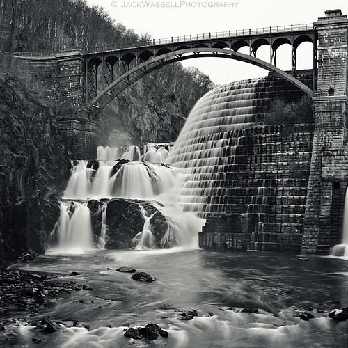 longexposure bridge blackandwhite mist newyork square waterfall newcrotondam fromthebottom