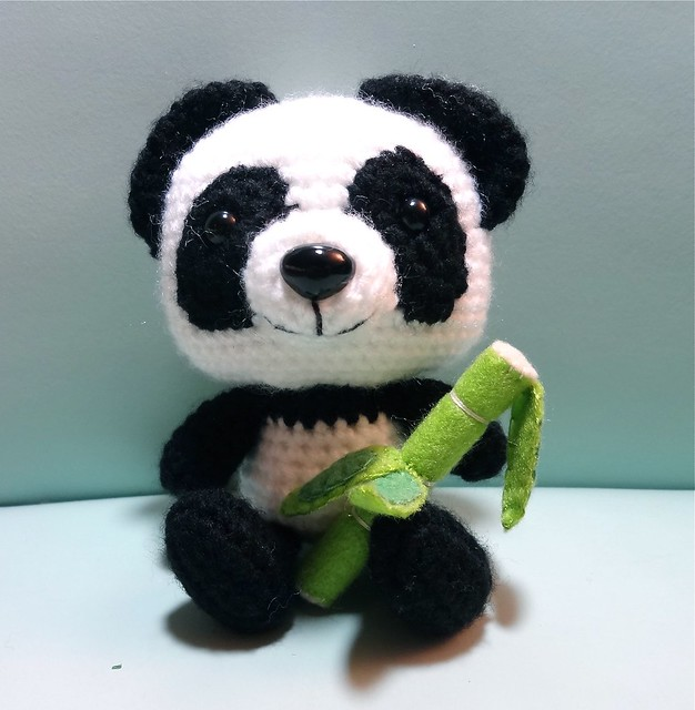Amigurumi Panda Hakeln : Amigurumi Panda with bamboo Flickr - Photo Sharing!