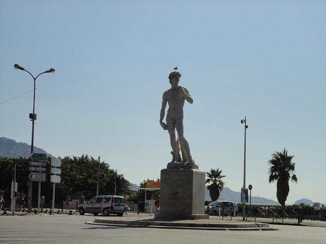 Touring around Marseille
