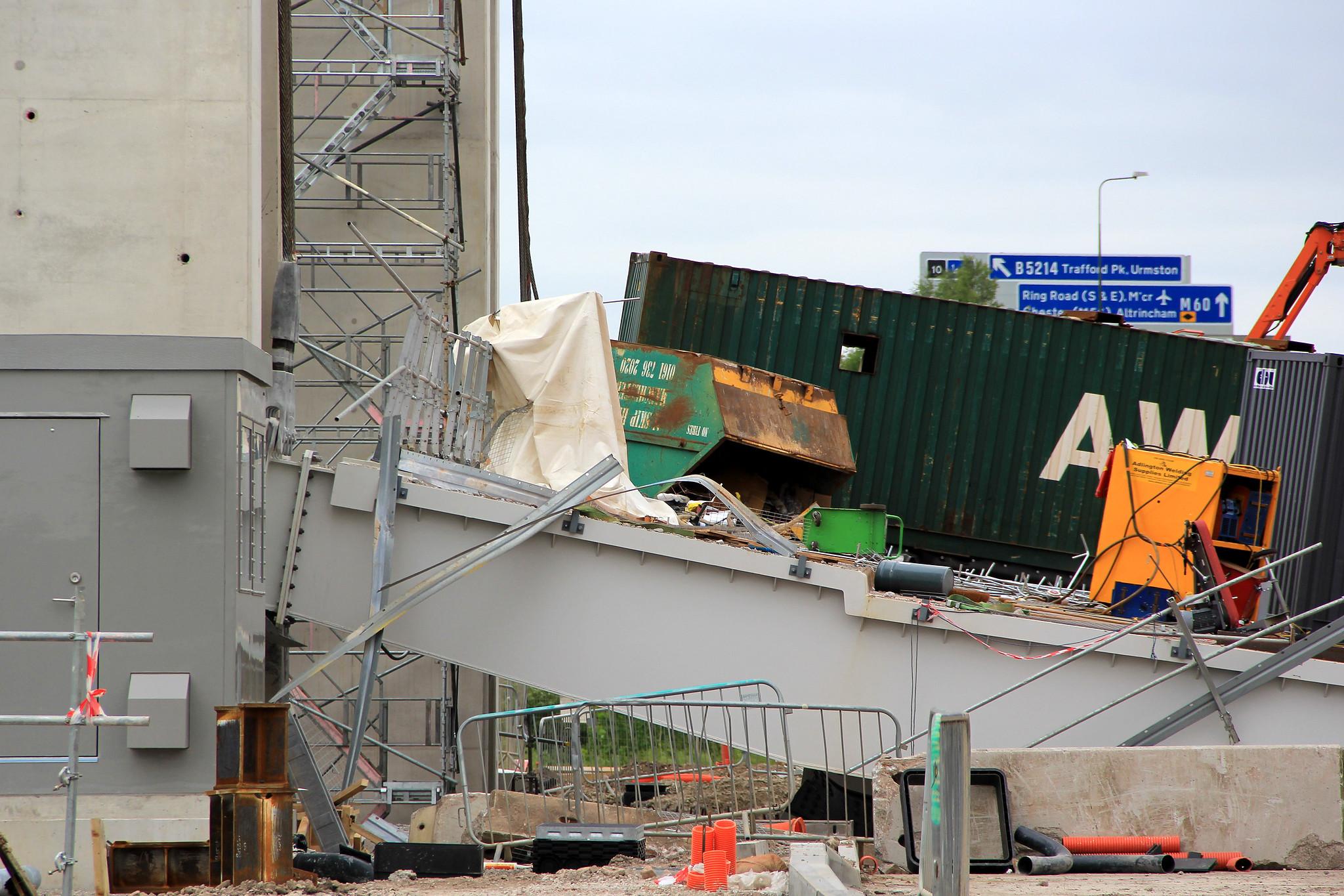Lift bridge collapse