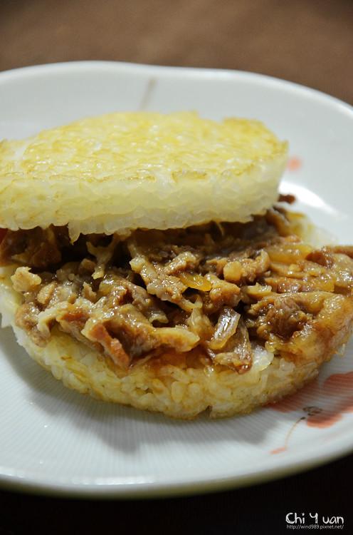 [試食] COSTCO+喜生米漢堡。洋蔥豬肉&洋蔥牛肉米漢堡,方便可口好食
