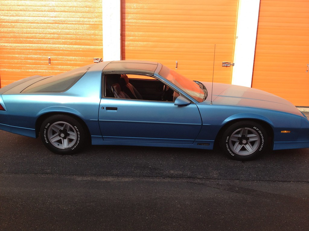 Please Post Pics Of Your Maui Blue 3rd Gen Camaro Third