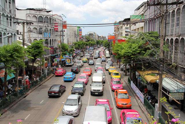 Can a foreigner buy a studio/2 rooms apartment in Bangkok city ?