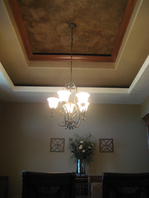 Tray ceiling dining room italian venetian plaster be for Dining room tray ceiling paint ideas