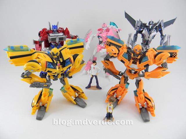 Transformers Bumblebee Deluxe - Prime First Edition - modo robot vs otros Prime Deluxe
