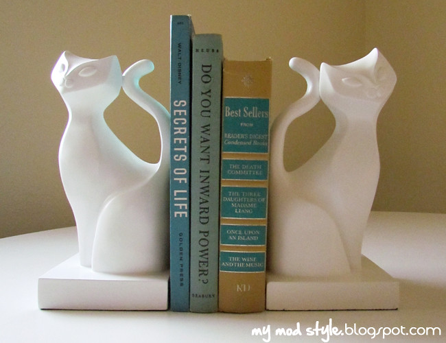 Bookends w-vintage books