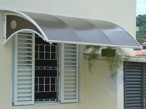 Protege tu terraza y pergolado con los toldos de for Techos de policarbonato para balcones