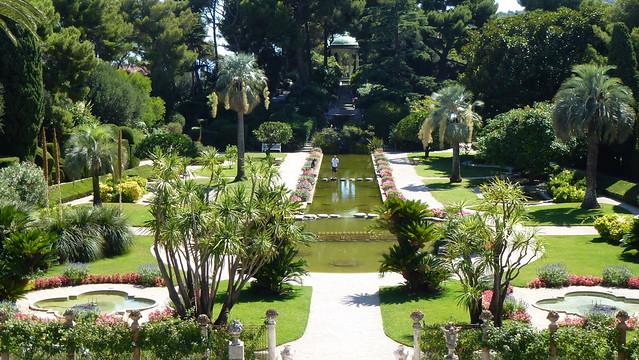 vue sur le jardin 224 la fran 231 aise depuis le grand balcon flickr photo