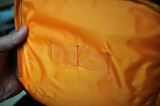 Amazonベーシック 一眼レフカメラ用スリングバッグ