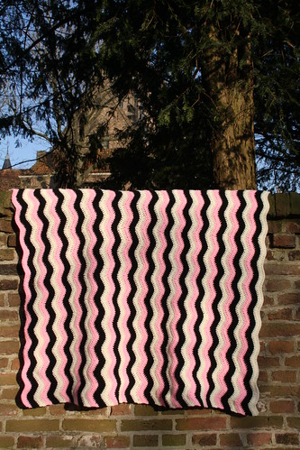 Crochet baby blanket - Ripple by Sluuurp