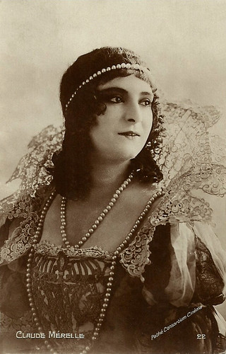 Claude Mérelle as Milady de Winter
