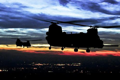 無料写真素材, 戦争, 軍用機, 朝焼け・夕焼け, ヘリコプター, CH チヌーク, アメリカ軍