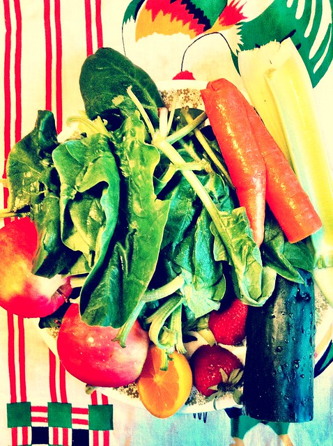 Today's green juice ingredients.  Spinach, cucumber, celery, carrot, apple, & lemon.