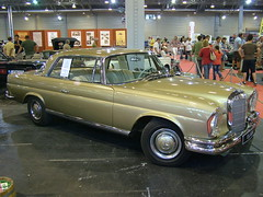 mercedes-benz w114(0.0), full-size car(0.0), convertible(0.0), automobile(1.0), automotive exterior(1.0), mercedes-benz w112(1.0), vehicle(1.0), mercedes-benz w108(1.0), mercedes-benz(1.0), mercedes-benz w111(1.0), antique car(1.0), sedan(1.0), classic car(1.0), vintage car(1.0), land vehicle(1.0), luxury vehicle(1.0),