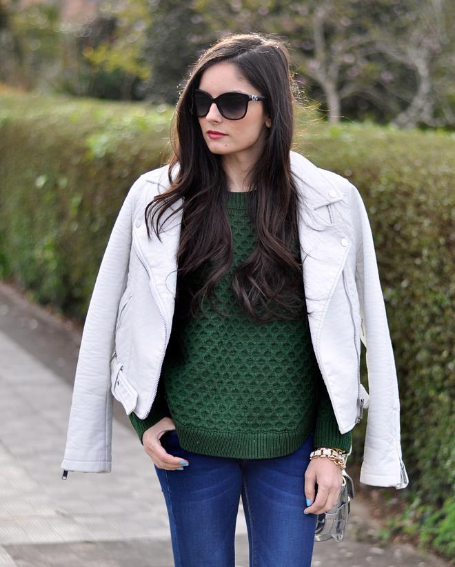 Green Sweater_06
